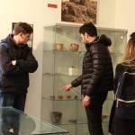 biogradski-srednjoskolci-zapanjeni-bogatstvom-grade-zavicajnog-muzeja-16